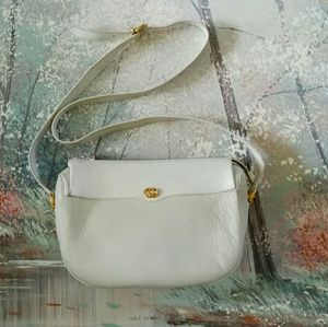 Auth Gucci white leather crossbody bag